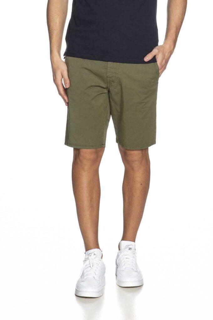 Bermudas de la marca Guess Jeans Verde