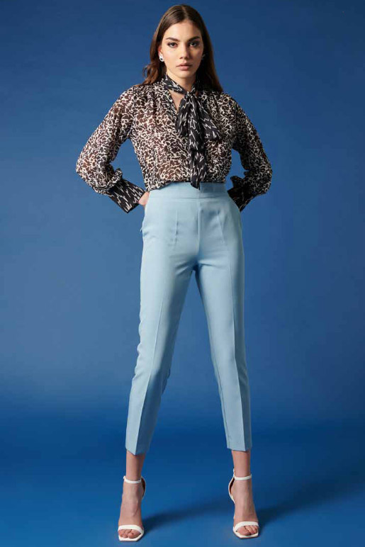 Pantalón de la marca QGuapa Milano Celeste